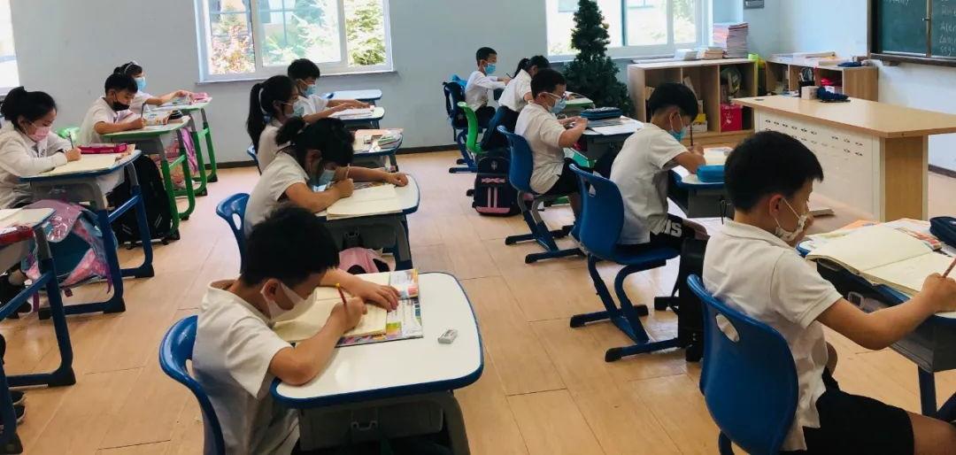 鹰桥一、二、三年级正式开学